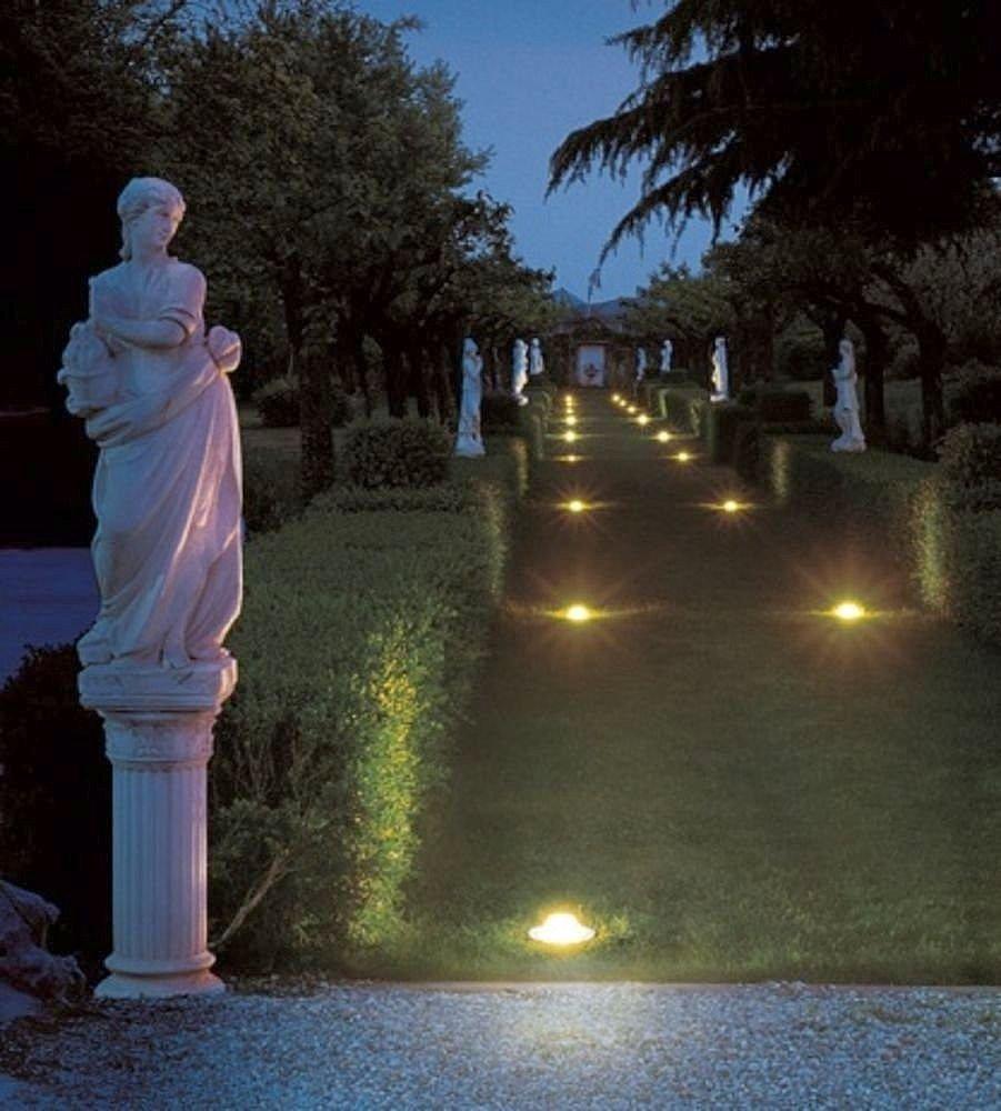 luz-empotrada-en-el-suelo-para-jardines-52740